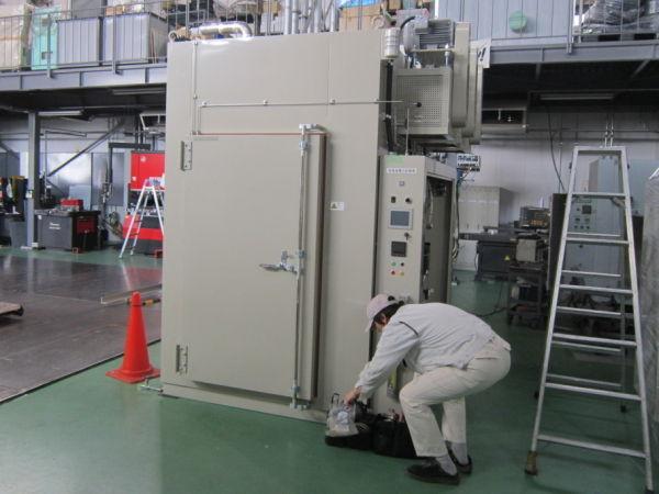 大型ラック式N2乾燥器